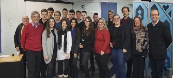 Faculdade Feevale visita sede do CRA-RS em Porto Alegre