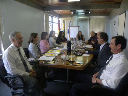 Desenvolvimento do ensino em Administração é tema de encontro entre CRA-RS e Uniasselvi